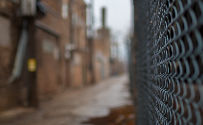 "When you rent a f/1.4 lens, you have to have at least one stereotypical ""look! shallow DoF!!"" shot down an alley or street. West Loop, Chicago."