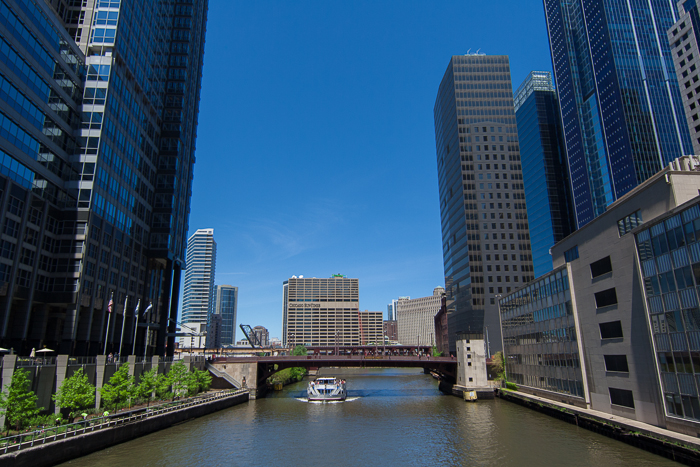 Chicago River, Chicago.  Canon 14mm f/2.8 II
